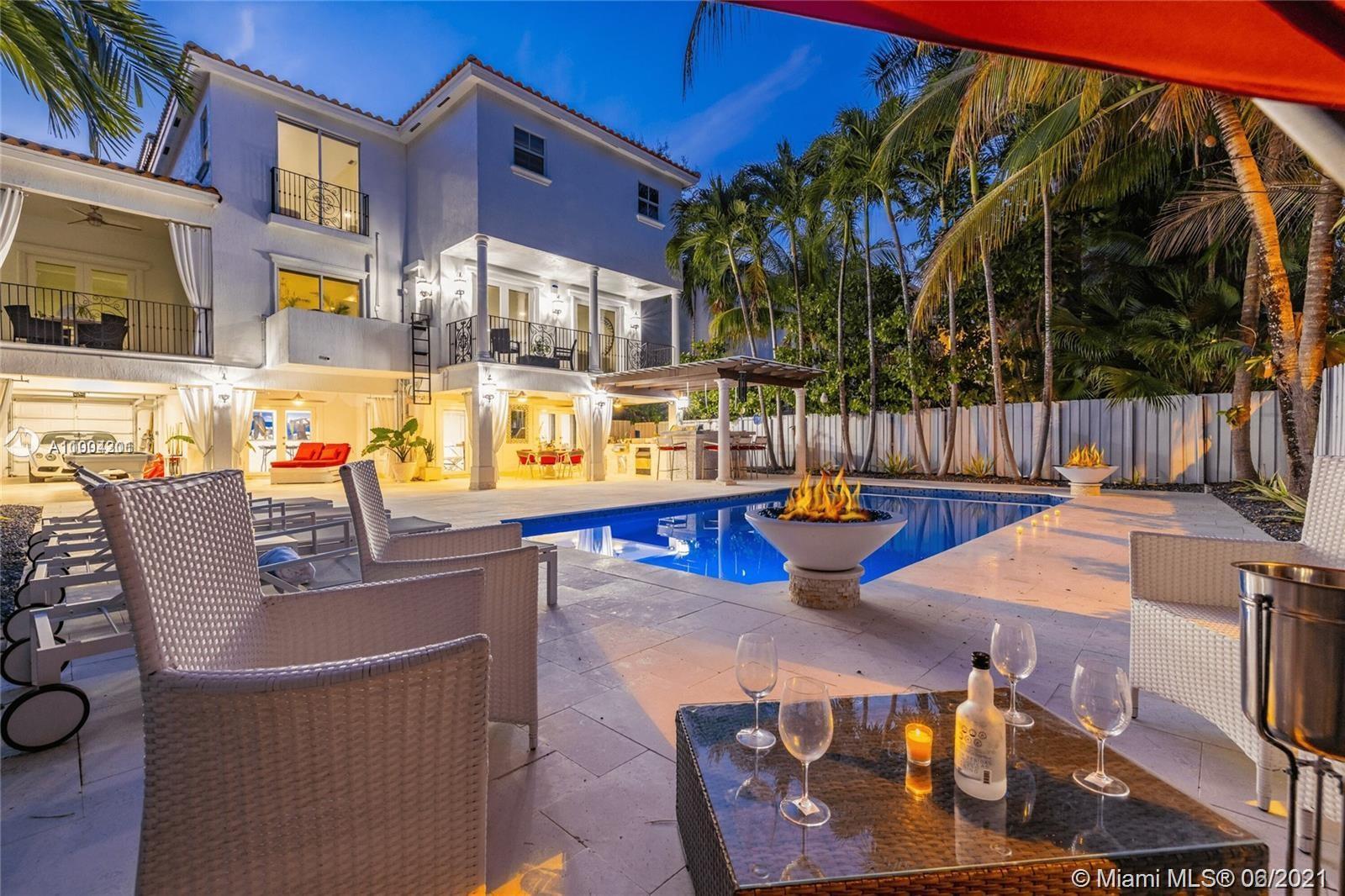 3535 E Fairview St  For Sale A11004201, FL