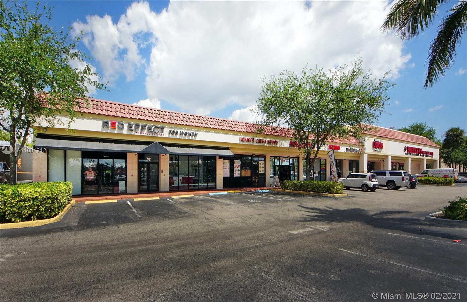 2 space options: Unit 737 is 3,239 sq ft and is a plug and play retail space is perfect for fitness center, studio or gym but is flexible to have open retail area, office space along with conference and private rooms. There is plenty of room to position you ultimate business set-up and streamline the floorplan for efficiency and work/customer flow. Unit 759 is 2,165 sq ft and set up for the ultimate flex space.