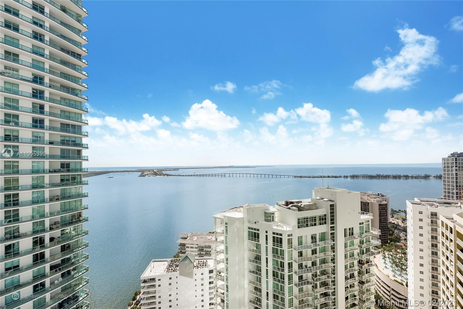 "SPECTACULAR, BRIGHT AND SPACIOUS 2 BED 2 BATH PLUS DEN UNIT ON THE 34TH FLOOR OF OUTSTANDING BRICKELLHOUSE CONDOMINIUM.  LOCATED IN THE EXCLUSIVE AND RESIDENTIAL NEIGHBORHOOD OF BRICKELL BAY DRIVE IN BRICKELL. BREATHTAKING VIEWS TO BISCAYNE BAY AND THE CITY. PURE CRYSTAL WHITE GLASS 36""X 36"" FLOORING THROUGHOUT, EUROPEAN CABINETRY, TOP OF THE LINE FINISHES & APPLIANCES. CUTTING EDGE GREEN TECHNOLOGY OFFERS 24HR CONCIERGE/VALET SRVC, AMAZING 50 FT LONG LAP POOL, SPA, GYM, SAUNA, THEATER STYLE SITTING, LOUNGE, POOL SIDE CABANAS, SUMMER KITCHEN, CHILDREN PLAY LOUNGE AND MUCH MORE."