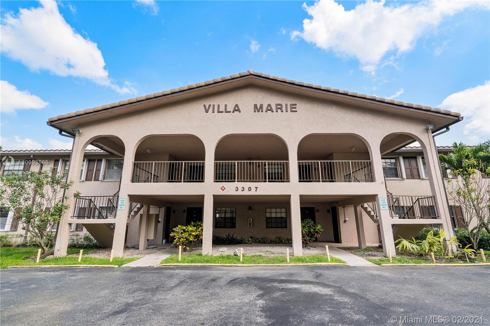 Wow! Bright And Spacious 1-Bed/1.5-Bath Unit In Villa Marie Located In The Heart Of West Coral Springs. Updated Kitchen With Lots Of Cabinets And Black Appliances. Carpet Flooring In Living Spaces With Tile Flooring In Kitchen. Continue Through The Unit To A Large Hall Closet And Half Bath With A White Vanity And Mirror. Reach The Large Master Suite With Dual Closets And Private Master Bath. Screened-In Patio With Additional Storage And A Utility/Laundry Room With A Full-Size Washer And Dryer. The Screened-In Patio Has Outside Access To The Lush Green Landscaping And A Meticulously Maintained Pool. Low Maintenance Fee Includes Common Areas, Roof, Management, Liability And Exterior Insurance, Pest Control, Direct TV, Water, And Pool Maintenance. 1 Parking Spot Included. Must See!