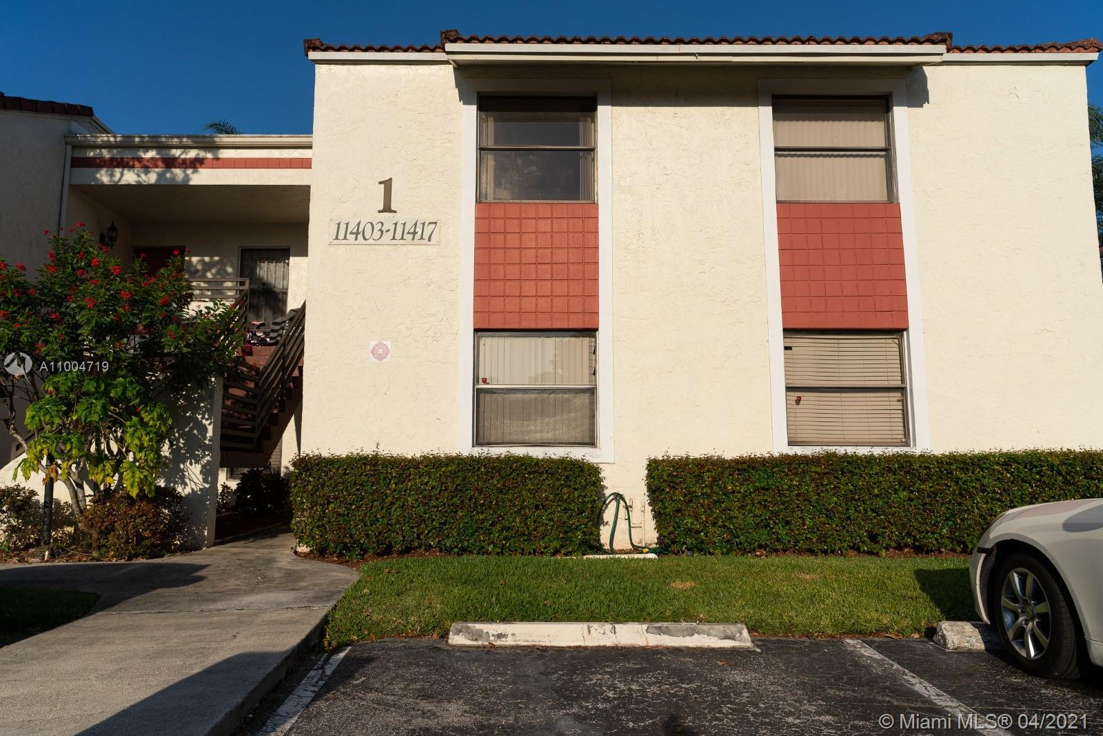 Perfect investor property! Gorgeous first floor corner unit in the gated community of Pierpointe Condominiums in Pembroke Pines. Located in the heart of Pembroke Pines and at very close proximity from shops, night life, hospitals and best schools in the area.
