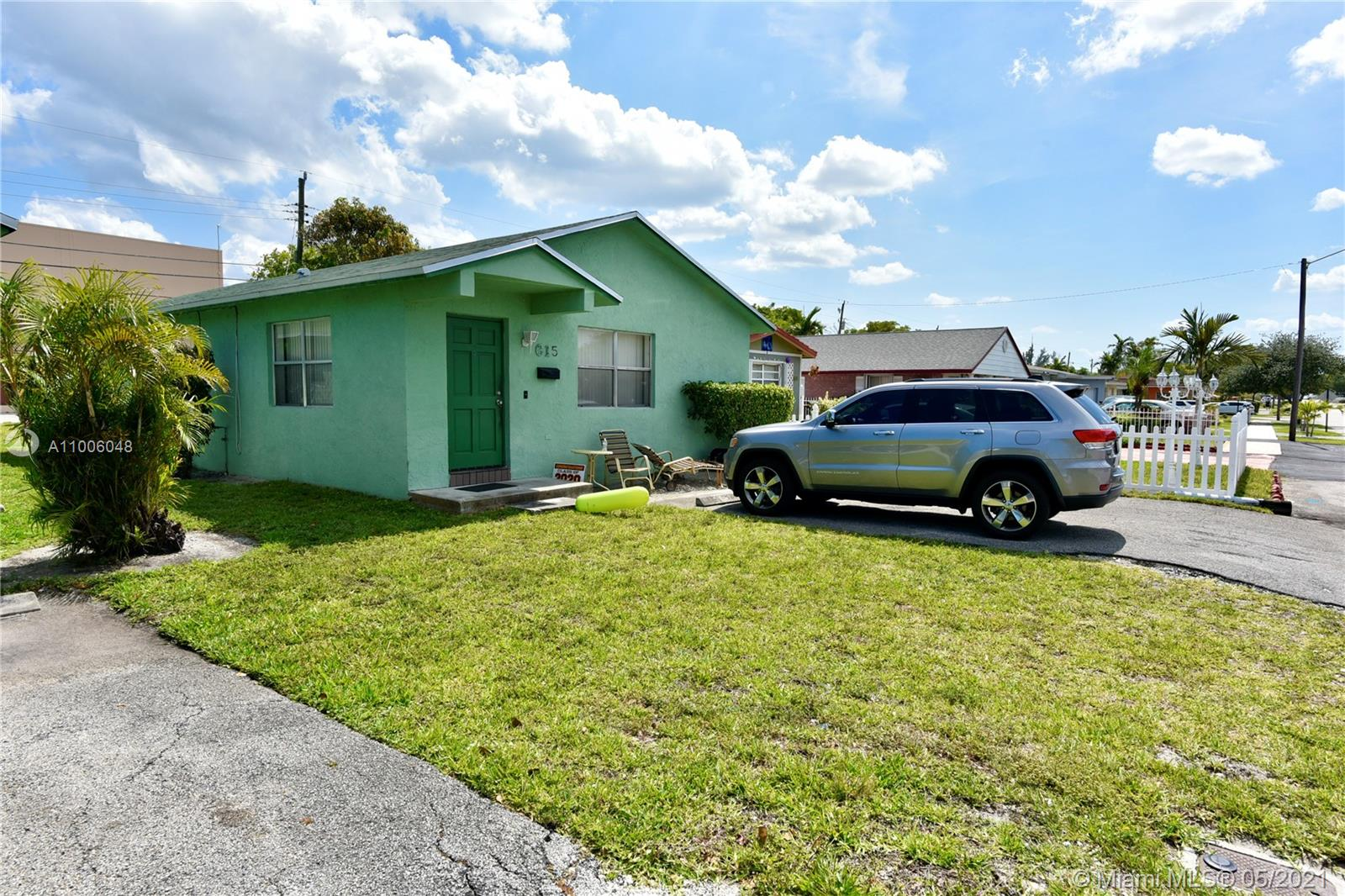 615 NW 3rd Ct  For Sale A11006048, FL