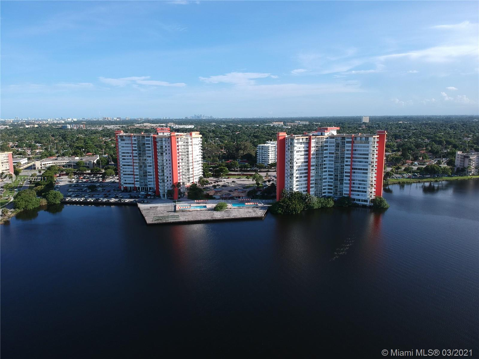 1301 NE Miami Gardens Dr #1516W For Sale A11007011, FL