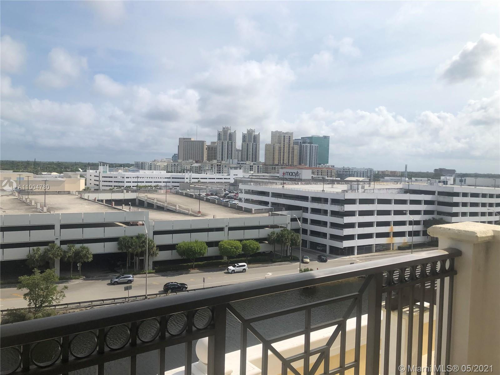 Spacious 2/2 luxury condo. 5 star lifestyle. European kitchen with stainless steel appliances and granite countertops. Amazing sunrise views from balcony. Building features private lobby, 24 hour front desk, security service, gym, sauna, jacuzzi, pool. Walking distance from Dadeland mall, Dadeland metro station, fast access to US1 and expressway.  City living at its best!