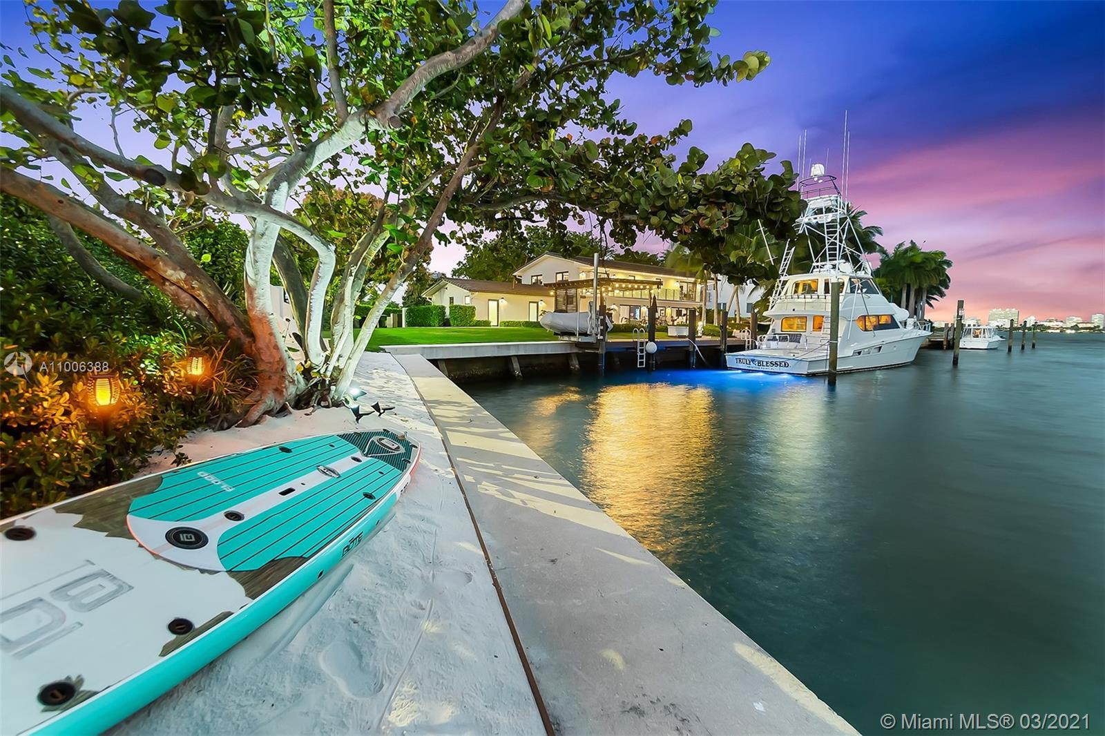 12385  Keystone Island Dr  For Sale A11006388, FL