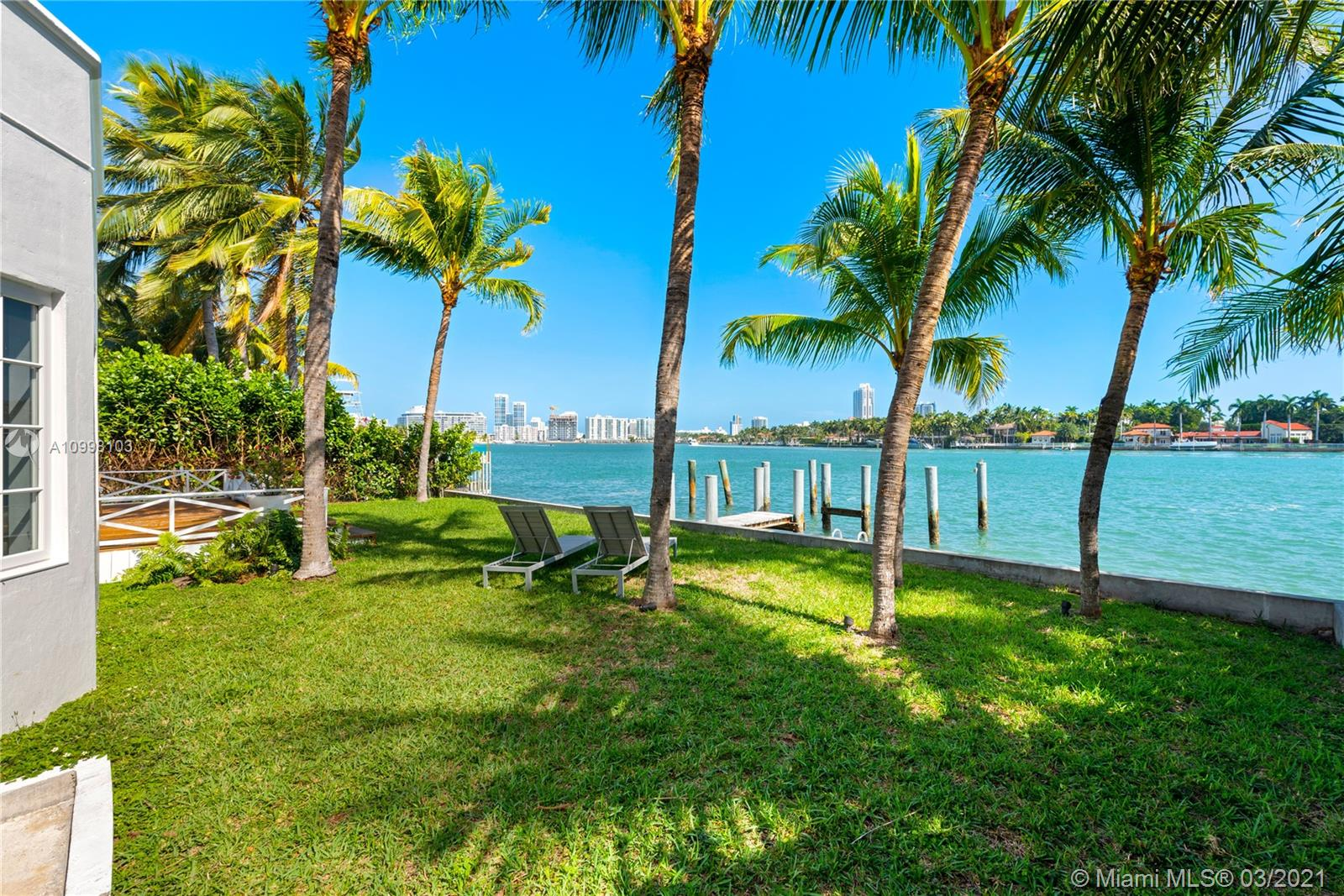 1500  Bay Dr  For Sale A10998103, FL