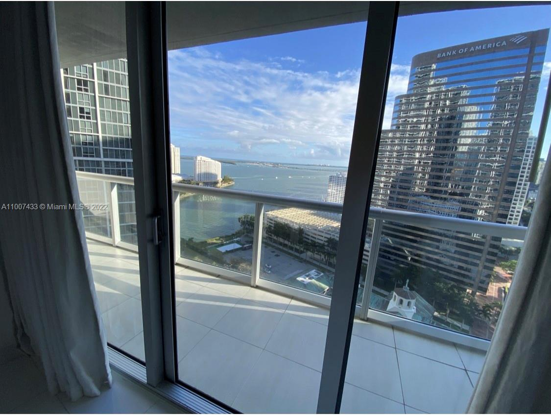 BEAUTIFUL 2/1 AT ICON BRICKELL  TOWER 3 , SHORT TERM RENTALS ALLOWED .