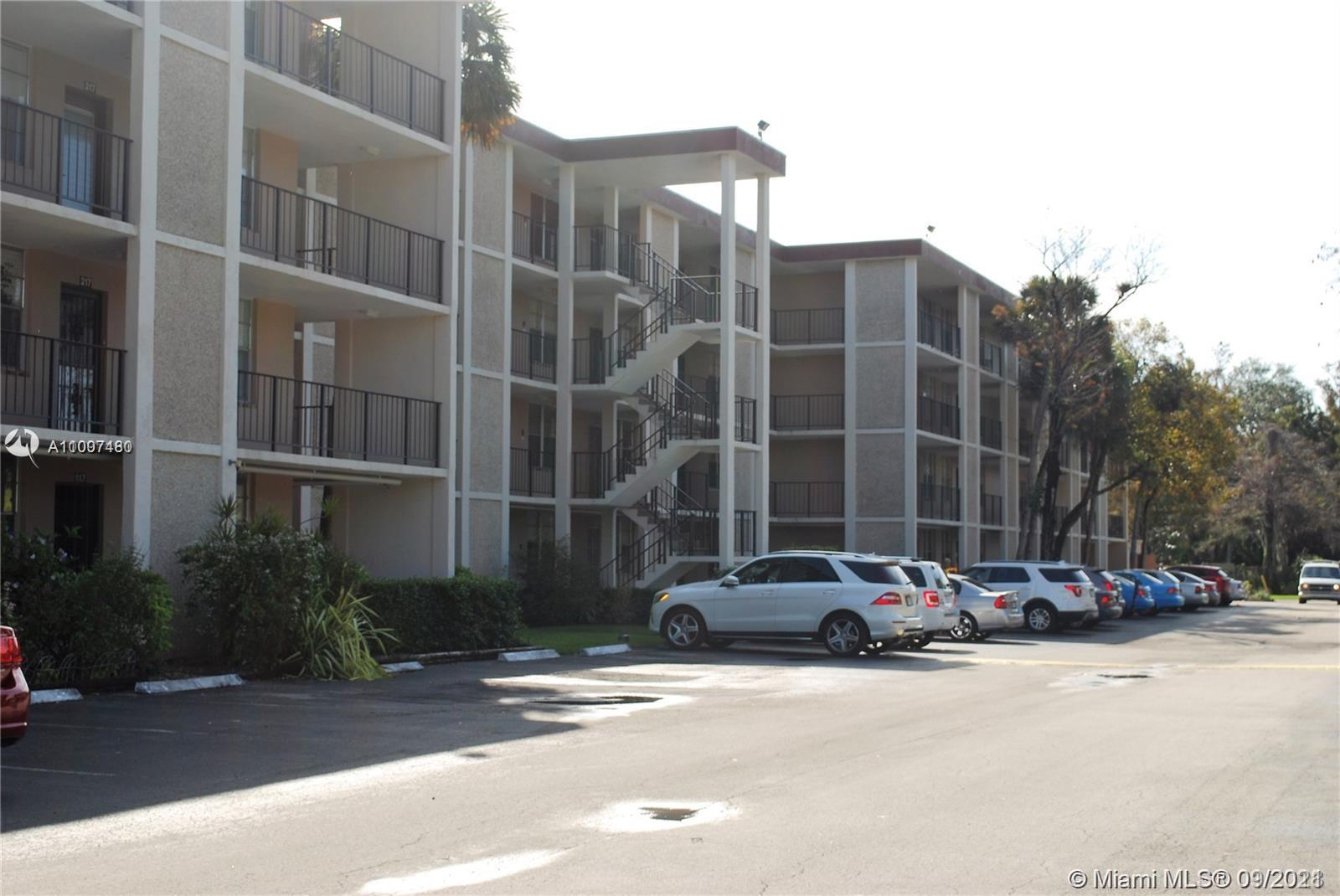 NICE UPDATED 2 BED 2 BATH CONDO WITH GARDEN VIEW. CLOSED IN LANAI FOR EXTRA SPACE, UPDATED KITCHEN AND BATHROOMS, SPACIOUS BEDROOMS, SS APPLIANCES, GRANITE COUNTERTOPS, VIEW TO GARDEN AREA, 55+ COMMUNITY WITH HEATED POOL, MOVE IN READY. NEW A/C, NEWER FLOORING. COMPLEX GETTING REPAVED AND FENCED