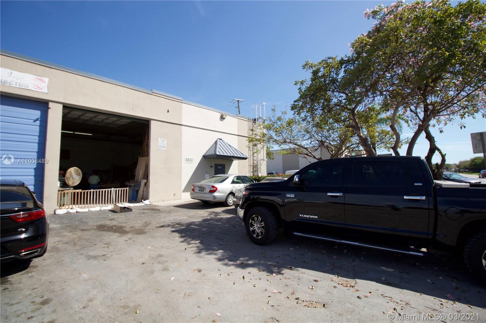 Undisclosed For Sale A11008489, FL