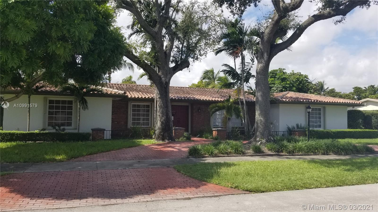 Excellent location, right of Kendall Drive. Next to Baptist Hospital South. Beautiful one story home situated in the prime location of Dadeland. Wonderful schools close by, just minutes to finest shops, dining and entertainment. Next to Highways and Metro Rail.