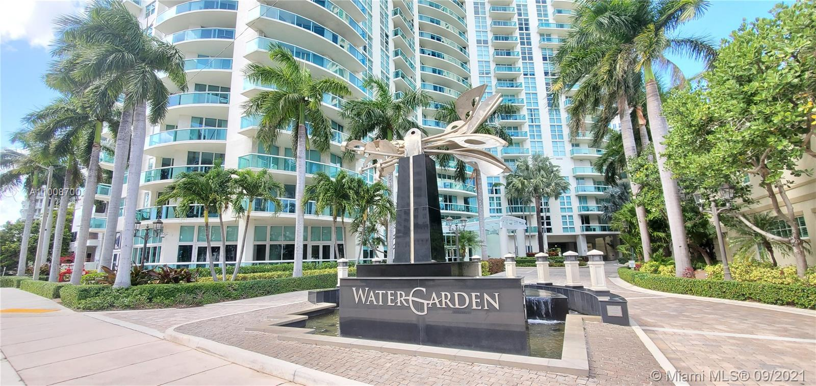 """Watergarden Condominium. Rare """"03 Line"""" . Unique opportunity!!! Unobstructed eye level Southeast view to the Fort Lauderdale New River. 2/2 Corner unit. Open and spacious floor plan. Large panoramic balcony. Just steps to Las Olas Blvd. Minutes away to the Fort Lauderdale beach and FLL International Airport. Building offer great ammenities such as : Gym, Pool, Library, spa, theatre, 24 concierge, valet parking and more."""