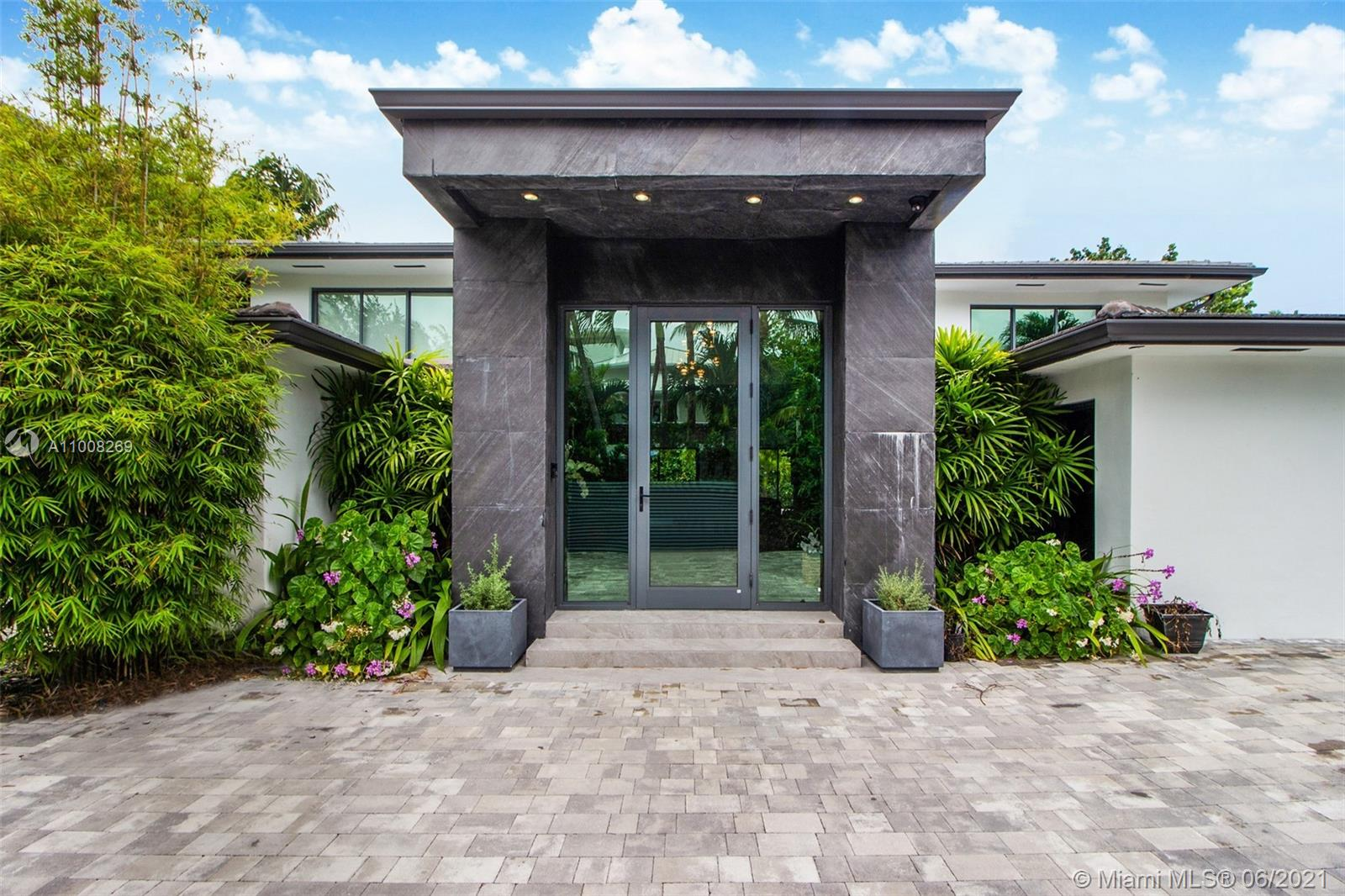 635  Curtiswood Dr  For Sale A11008269, FL