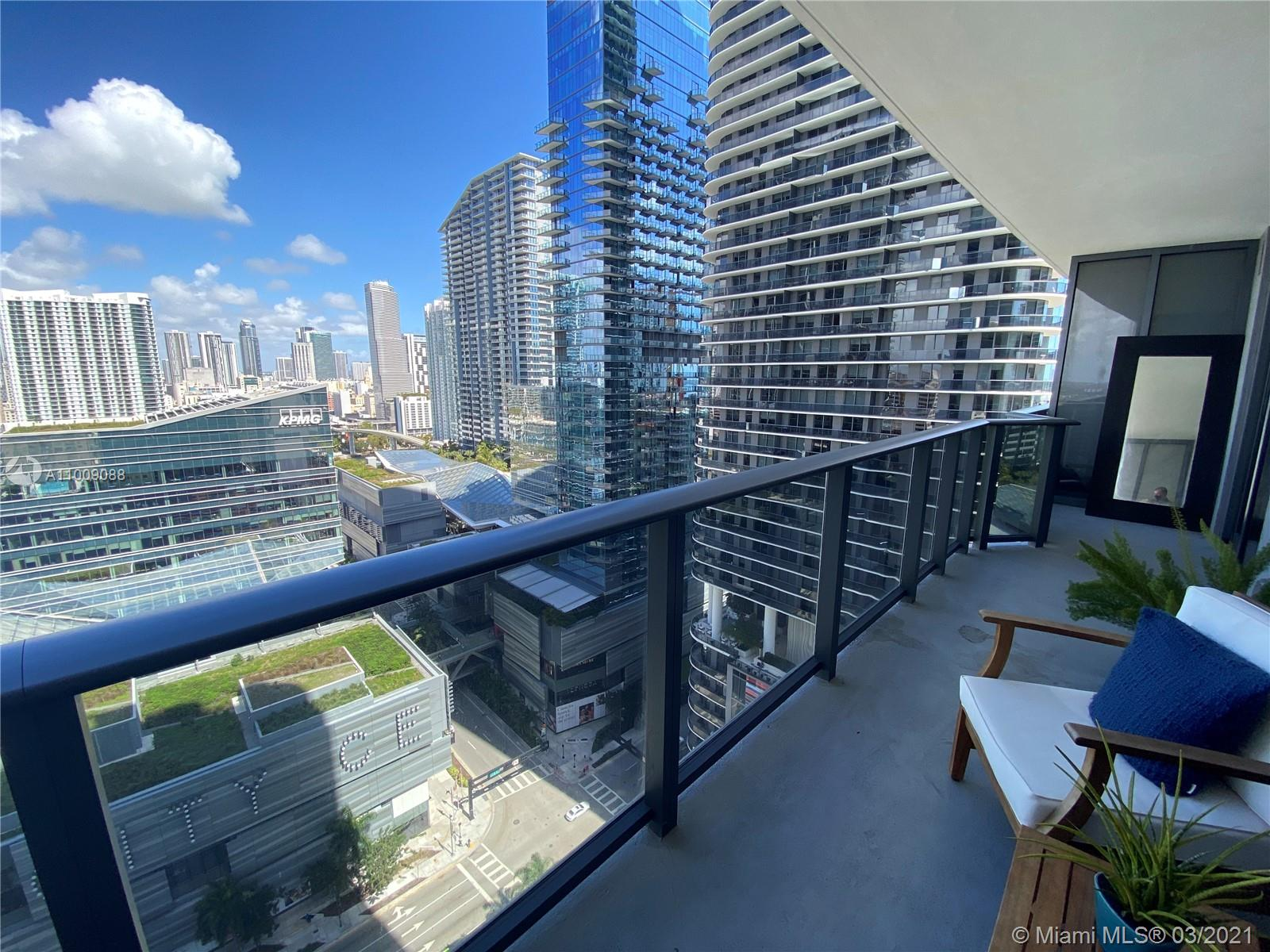 Rarely available 1 bedroom 1.5 bathroom at Brickell Heights. Spacious floorplan with north view to Brickell City Center and Miami River. Luxury finishes and oversized balcony. Amenities include