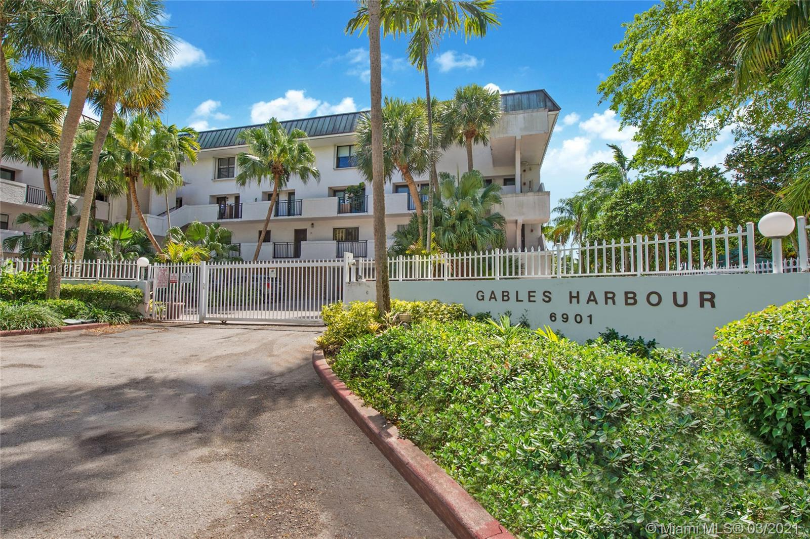 6901  Edgewater Dr #324 For Sale A11011815, FL