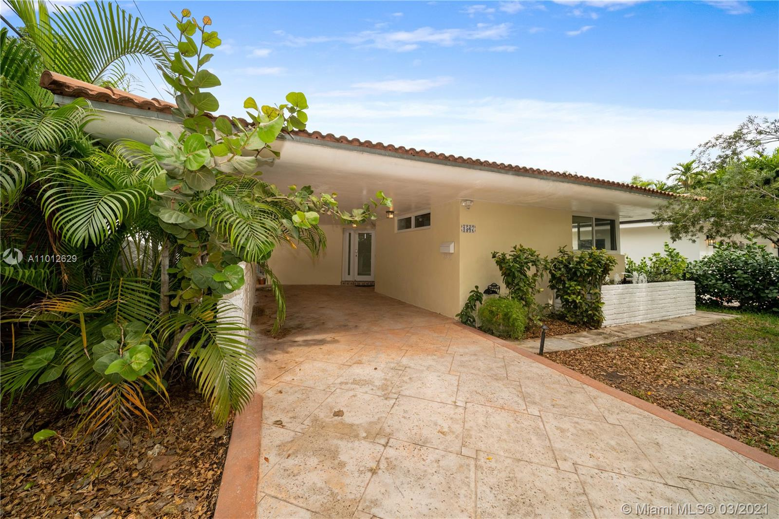 1567  Plasentia Ave  For Sale A11012629, FL