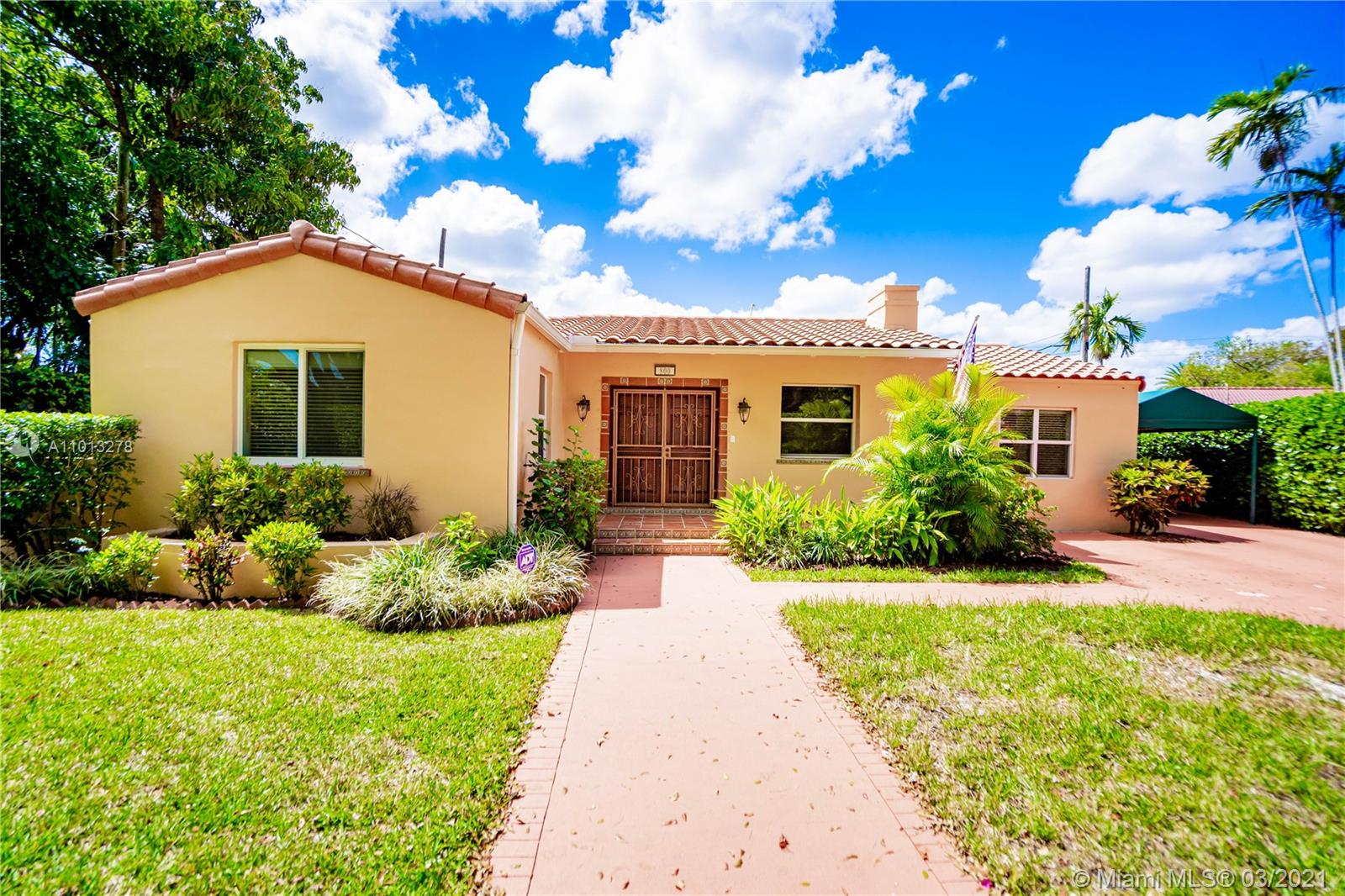 800 SW 28th Rd  For Sale A11013278, FL
