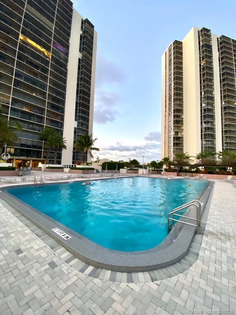 20301 W Country Club Dr #825 For Sale A11011885, FL