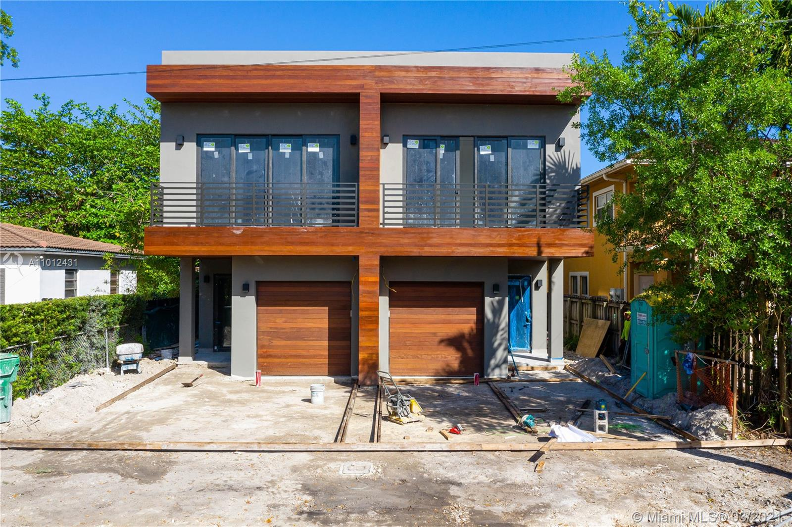 Be the first to live in this spectacular brand new construction townhome in Coconut Grove. This house features two-stories, 3 bedrooms, 3.5 bathrooms, pool, lush landscaping, Snaidero Italian cabinetry in the kitchen with Cesar Stone countertops, Thermador kitchen appliances, Grophe fixtures in kitchen and baths, Italian floor tiles, Italian doors, Ipe planking and garage doors, Amazon Alexa mirrors, rings smart home technology, GE washer/dryer & more. **Property should be ready for occupancy in April 2021.