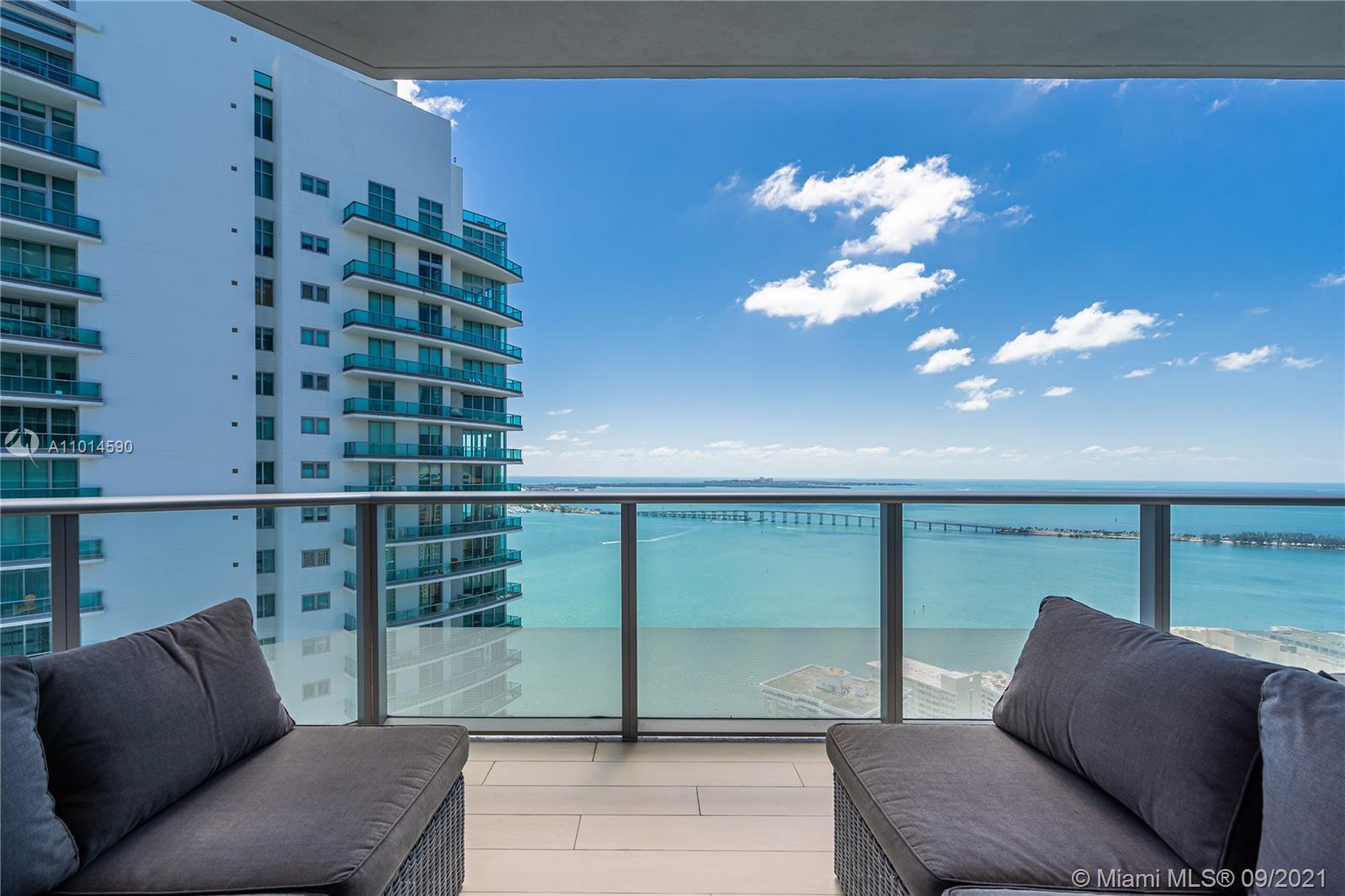 Amazing corner lower - PH 3 Beds ,3.5 Baths + Den and 2 terrace!! Views from to the Bay and Skyline, the best finishes and top of line appliances! Expansive 46th-floor rooftop sky deck with Pool, Refreshments, Wireless Internet and panoramic views! Fully equipped, technologically advanced fitness center with high-definition televisions and wireless audio, Ground-floor restaurants, triple-height lobby accented with exotic woods, stainless steel, marble and store finishes. Live in the heart of Brickell just steps from the financial district, Brickell Cite Centre Mall and more.