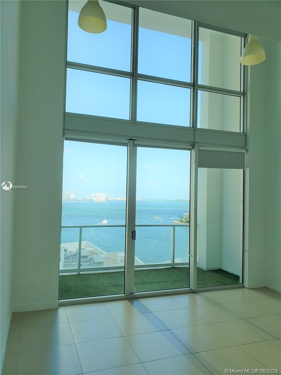 Unique 2 story Loft with beautiful bay views in Met 1. 19' ceilings height . Enjoy the downtown lifestyle, walk to bay side, whole foods market, Silver spot Cinema, valet parking, Mary Brickell Village. Building amenities include, pool & spa, yoga room, 24 hours front desk, basic cable, game room, pool room, gym and more. Washer & Dryer inside. You will Love it. CONDO IS TENANT OCCUPIED UNTIL OCTOBER, SHOWING AVAILABLE WITH AN EXECUTED CONTRACT.