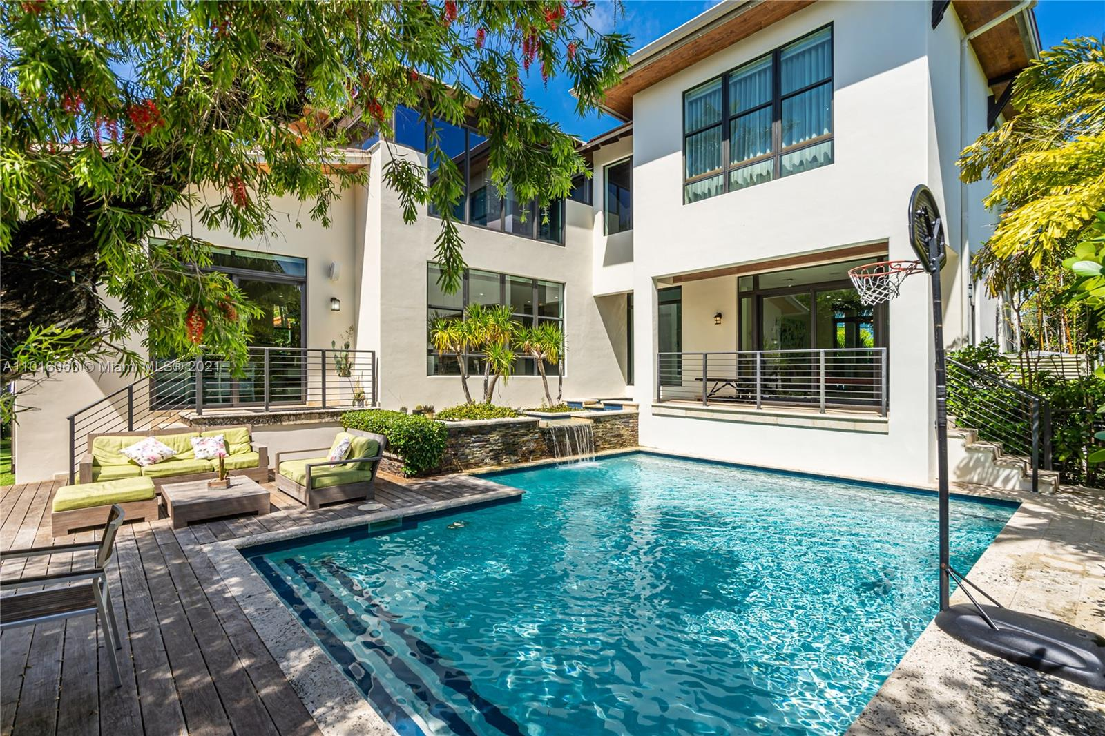 264  Westwood Dr  For Sale A11016060, FL