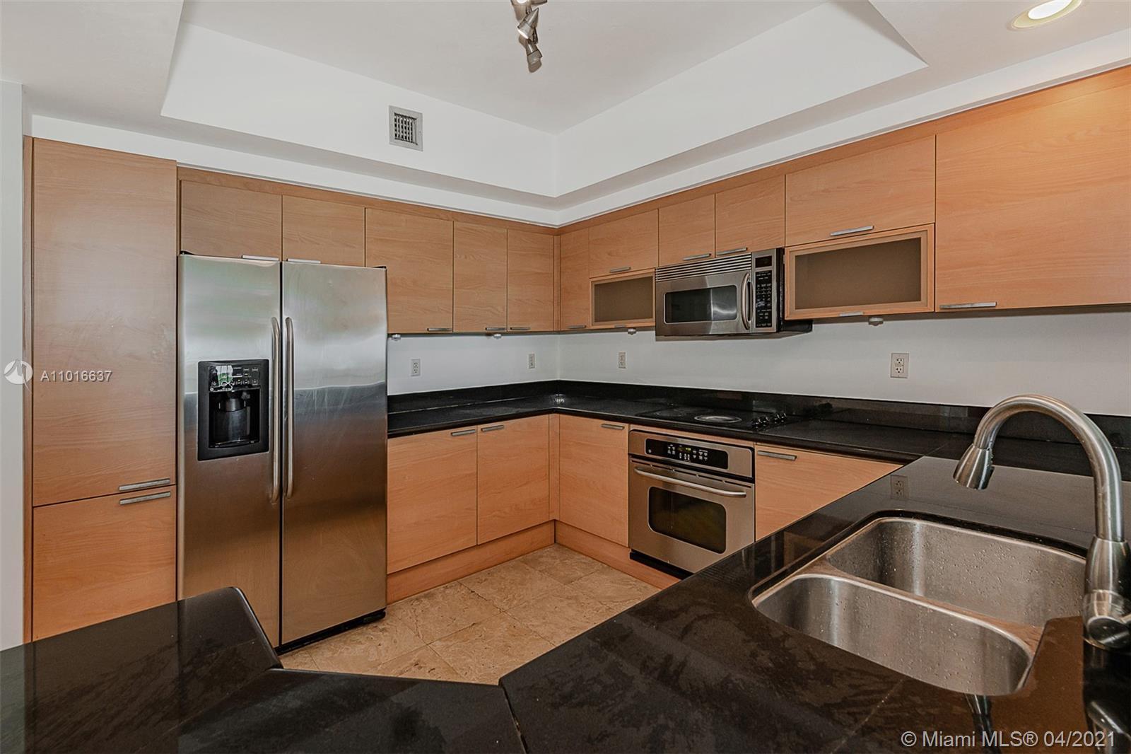 14951  Royal Oaks Ln #902 For Sale A11016637, FL