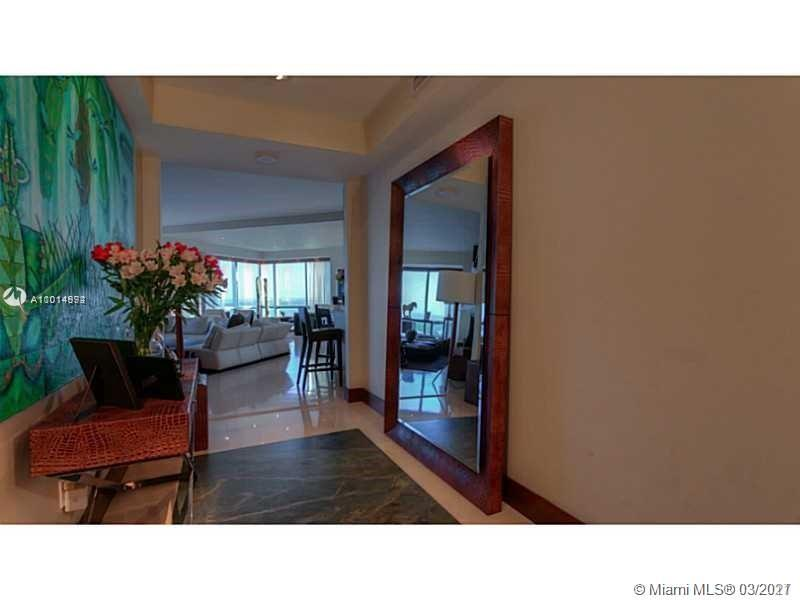 1425  Brickell Ave #42F For Sale A11014992, FL