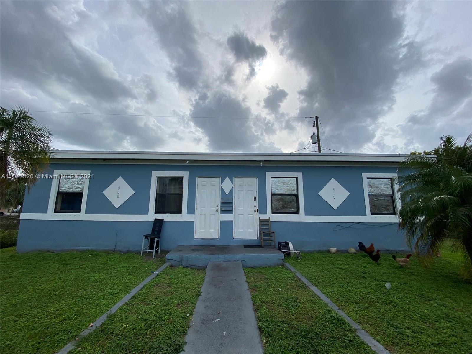 908 SW Avenue D  For Sale A11017520, FL