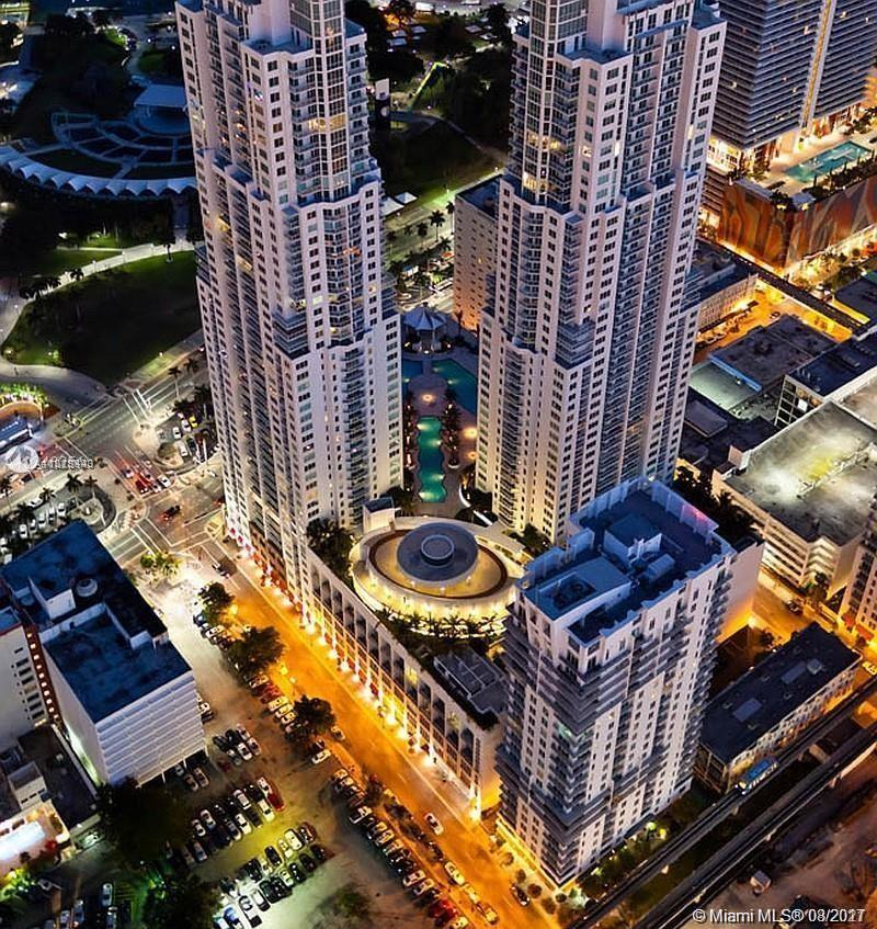 Exquisite 5 Star living in downtown's finest resort style condo, access to Metrorail, Brightline and more, walk to Bayside, American Airlines Arena,  Panoramic views of Biscayne Bay , the beaches and the Miami Skyline.  Modern open kitchen with stainless steel appliances, designer bathroom, separate shower and tub. Spacious room, all new floor. Four pools , multi level Gym, clubhouse, bar, spa, sauna, movie theater, concierge services plus doorman and security.
