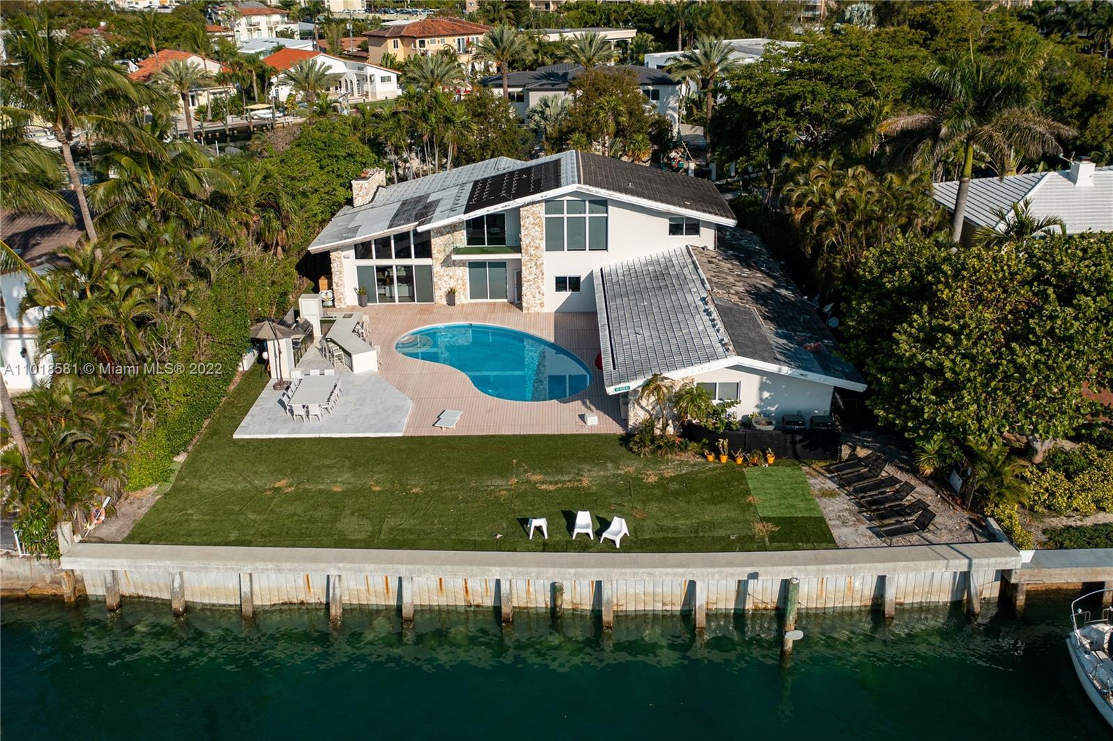 13255  Biscayne Bay Dr  For Sale A11018581, FL