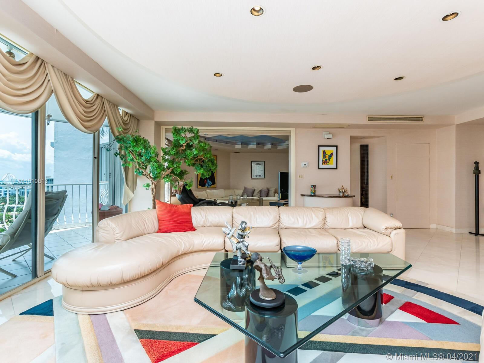 10155  Collins Ave   1607-1