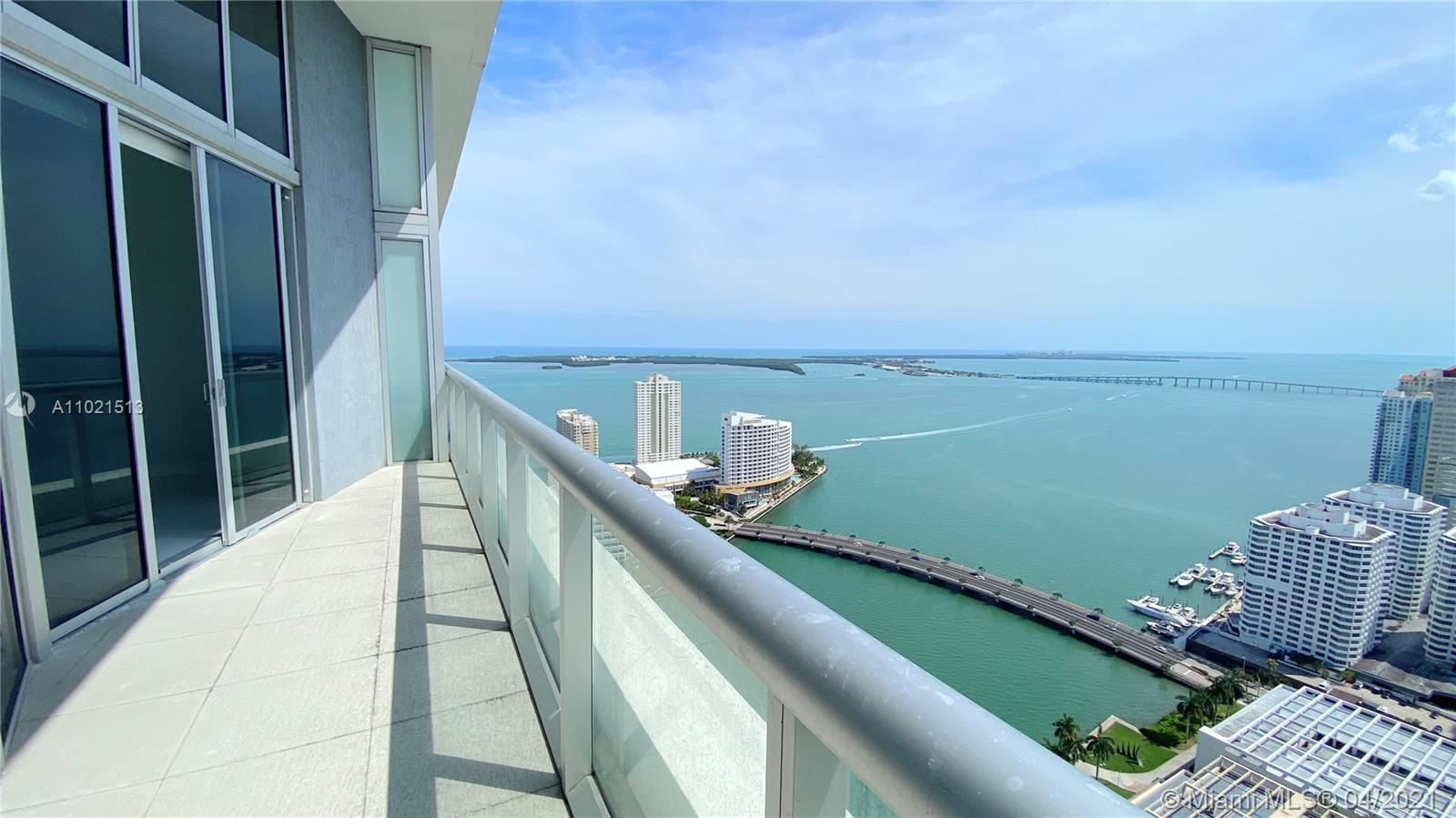 Unique large 1 BD Apartment with HIGH CEILINGS located on the 41th floor. Unobstructed Bay View and city view. In pristine condition. Philip Stark interior design & the best amenities in Brickell including a brand new pool deck, beautiful spa, plunge pools, state-of-the-art fitness center, saunas, steam rooms, game rooms, spinning room, movie theater, 3 restaurant in the premises and more. Walking to the mall at Brickell City Centre.