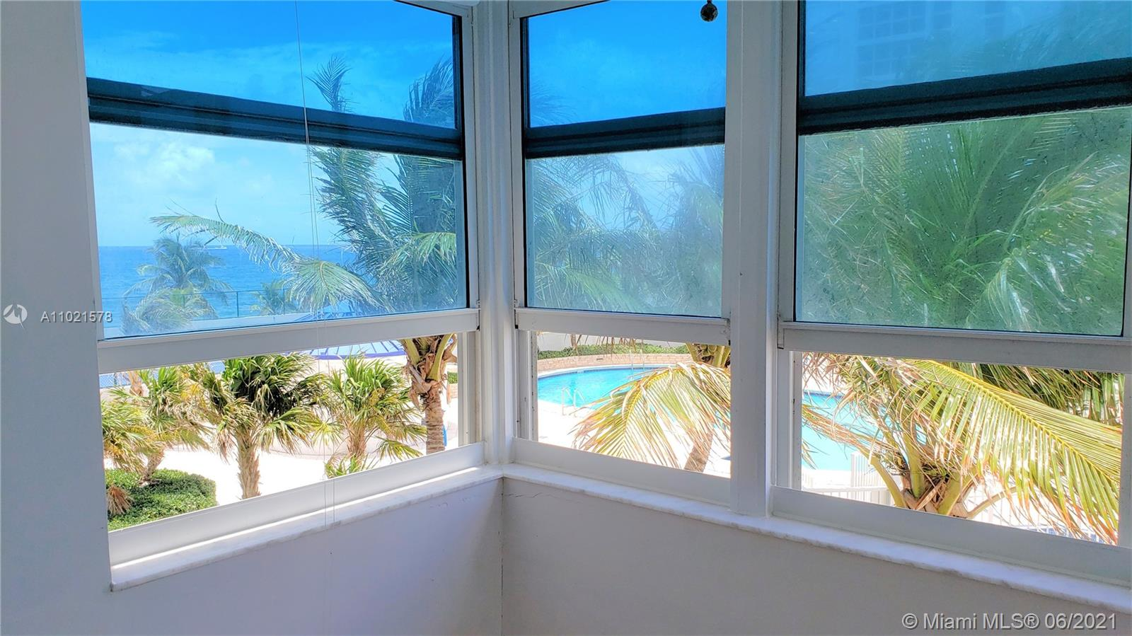 GREAT LOCATION AND AMAZING OCEAN VIEWS , OPPORTUNITY KNOCKS AGAIN. THE BUILDING OFFER MANY AMMENITIES, INCLUDING POOL, READING ROOM, GYM, BBQ AREA. YOU WILL CERTAINLY LOVE IT