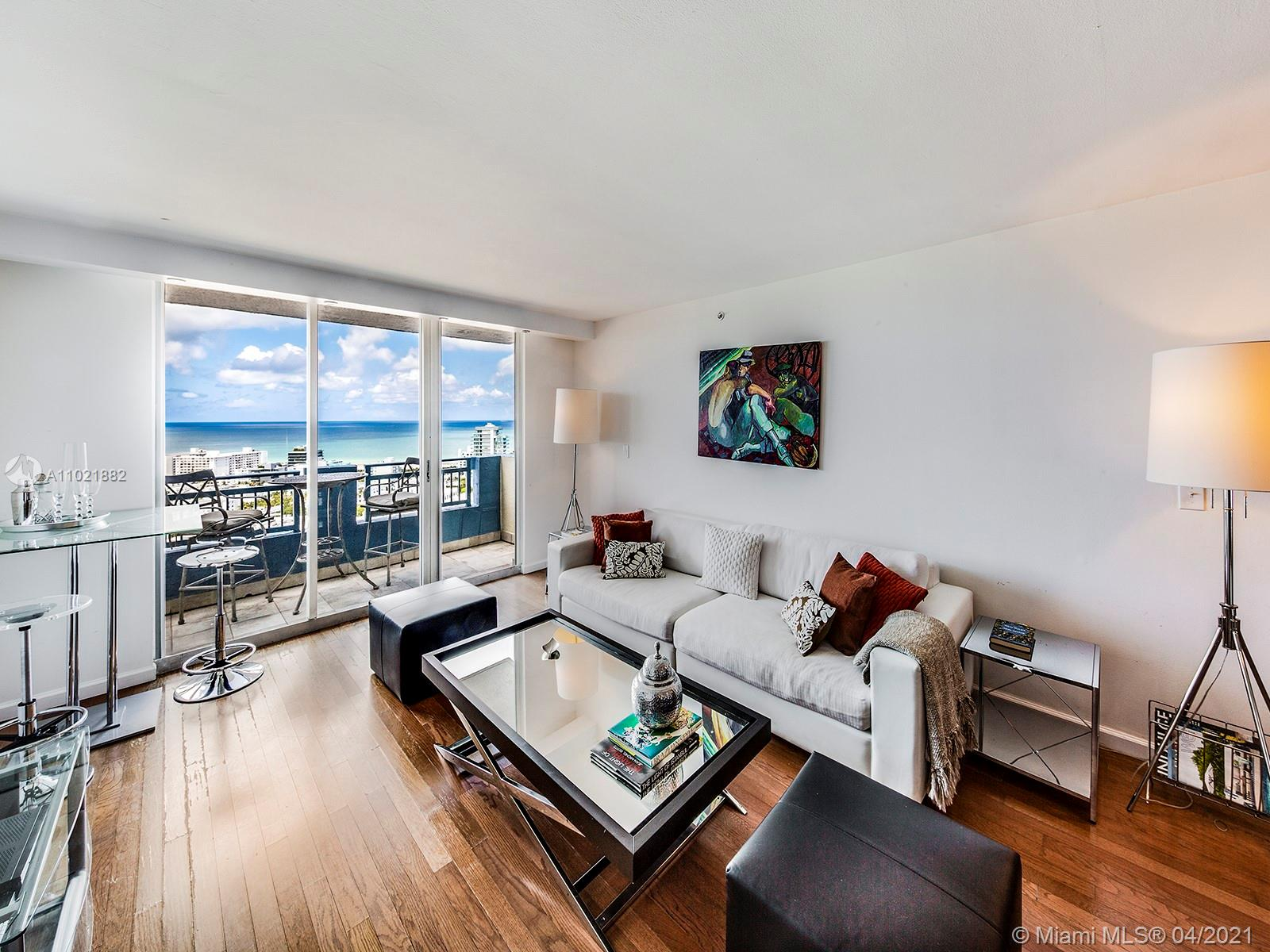 Bright unit with amazing views of ocean and South Beach and remodeled baths. Yacht Club offers pool, hot tub, tennis courts, fitness center, sauna, BBQ area, valet parking, doorman and convenience store. Walking distance to the beach, South Pointe Park, Marina, market and restaurants.