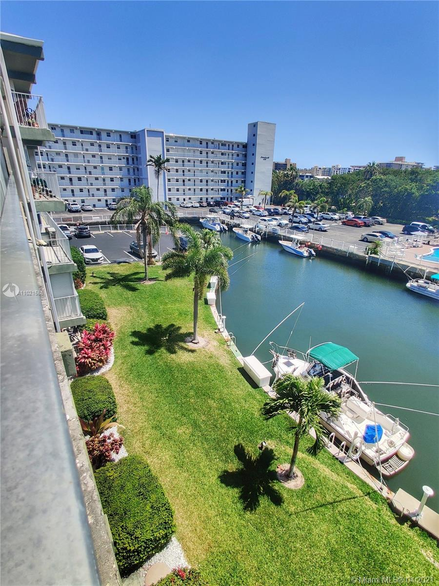 Very friendly community! tucked in high end residential neighborhood. Condo has been remodeled with granite counters and tile floors and shower. Bright, light, and gorgeous views of pool, canal AND Intracoastal from this amazing home! Intracostal direct access, Dockage when available, ocean access, no fixed bridges. Low HOA. Two pools, BBQ grills, fire pit, shuffle board. Also Keys to private entrance to Degroff Park 3.5 acre intracostal beach park with a nice and private beach, walking or jogging trails and amazing views. Property is shown with Supra.