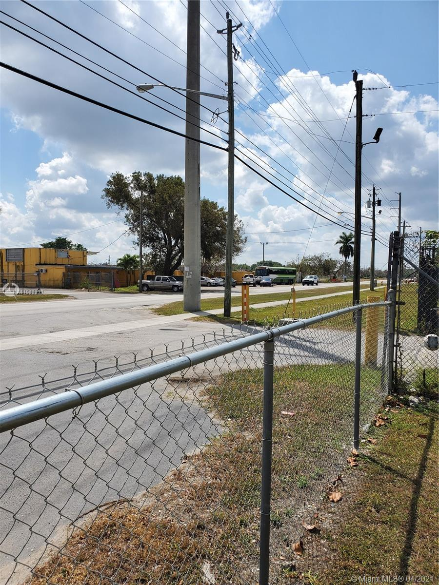10 SW 14th Ave  For Sale A11022232, FL