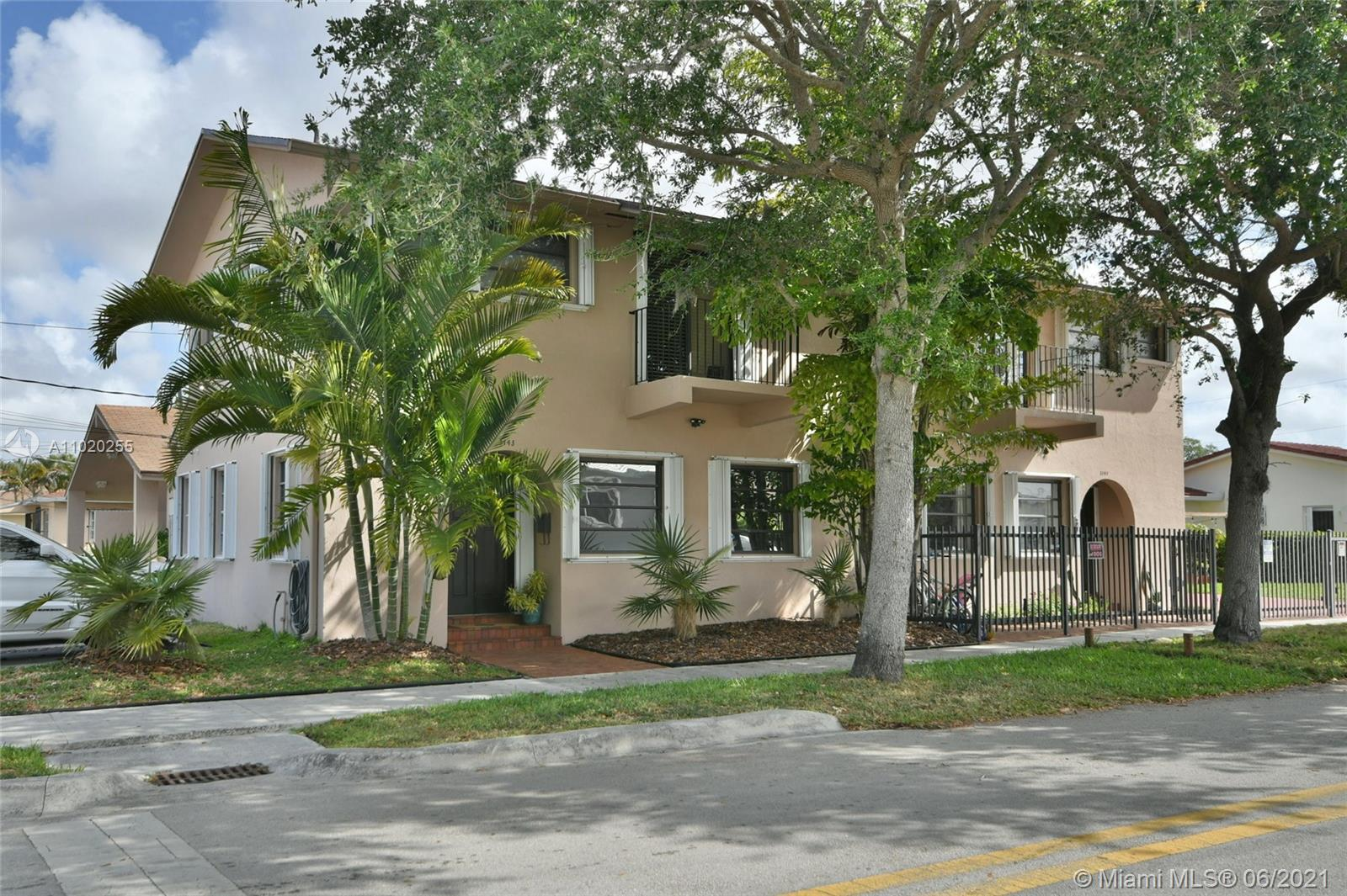 3141 SW 27th Ter #B For Sale A11020255, FL