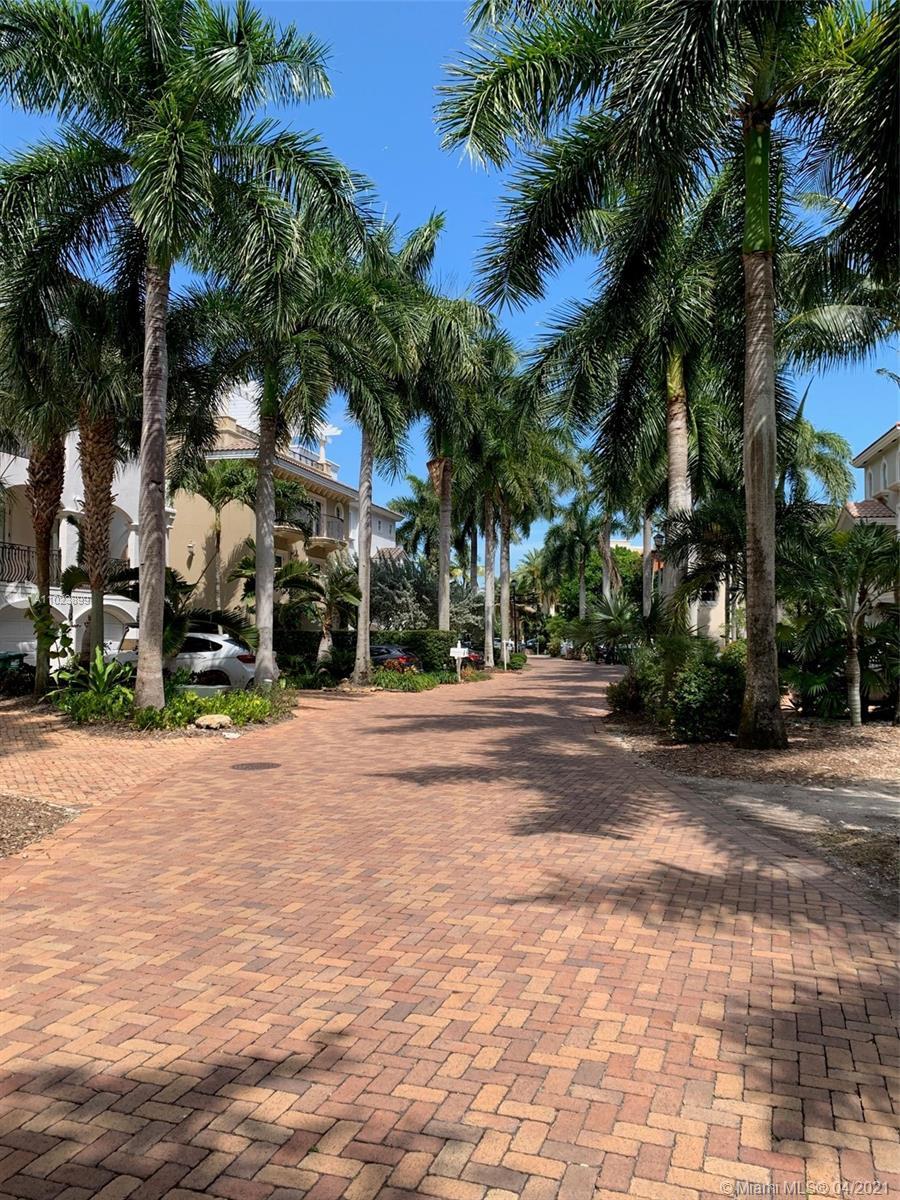5863  Paradise Point Dr  For Sale A11023899, FL