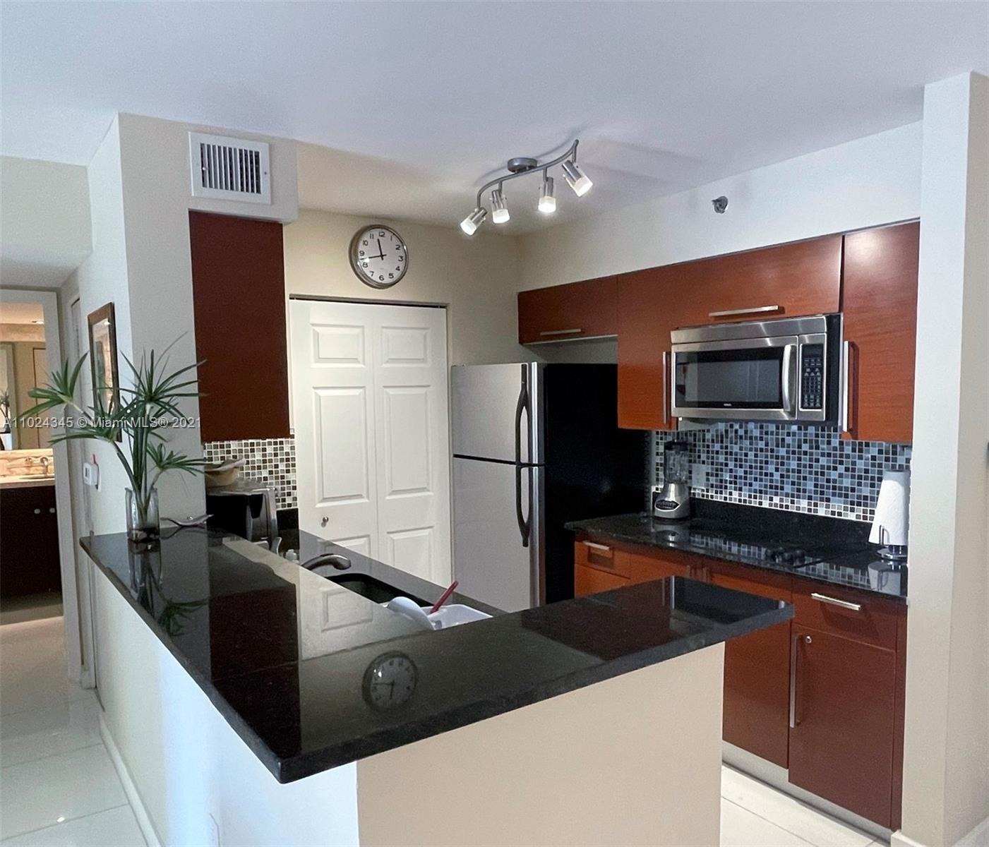 19701 E Country Club Dr #5205 For Sale A11024345, FL