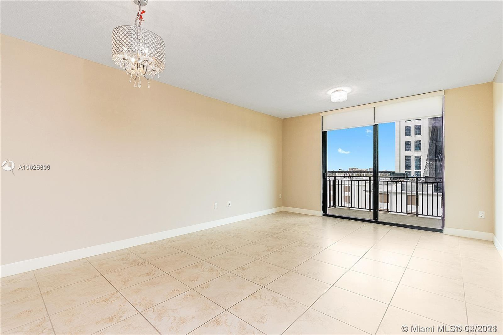 Beautiful and Modern 1 Bedroom / 1.5 Bath unit in Coral Gables, with open kitchen, spacious living/dining room, finished walk in closet, washer/dryer unit. The building has great amenities, a pool with deck overlooking Coral Gables, well equipped fitness center and a club room for private gathering. Excellent location very close to restaurants, bars and shops. Easy to show, ready to move In
