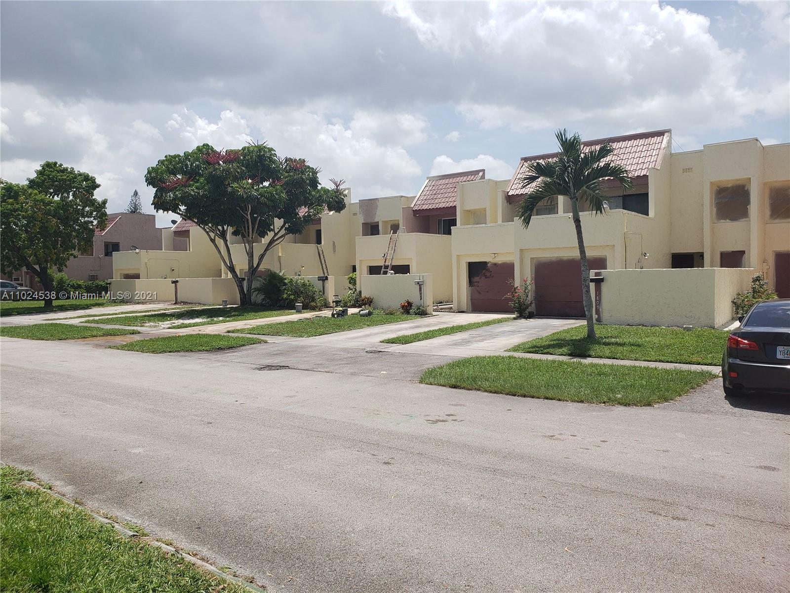Waterfront townhouse with 2100 sq. ft.  First floor includes backyard living, room, dining room, kitchen, bathroom, laundry room and garage. Upper level includes 3 bedrooms with two full baths and 2 balconies . Located near schools, shopping, Easy access to major roads and highways.