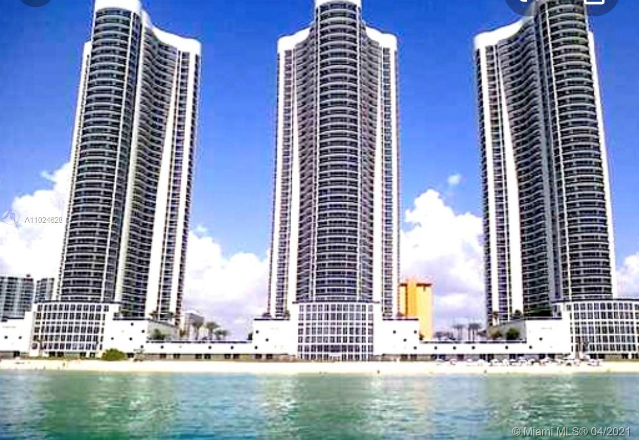AMAZING OCEAN VIEW AND BAY VIEW,3BED,3.5BATHS,GREAT LOCATION IN SUNNY ISLES,LUXURY SERVICES,POOL,GYM,VALET PARKING,LOUNGE,BEACH SERVICES,PRIVATE FOYER, 2 VALET PARKING, RESTO IN A BUILDING. NEAR TO BAL HARBOUR AND AVENTURA MALL.
