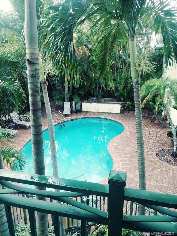 Updated Condo located in the great area of Coral Ridge, the location of this property is perfect, close to US-1, restaurants, markets and beach! This unit has been updated: 3 year old Kitchen and appliances, 2 year old AC and water heater. See Broker's remarks.