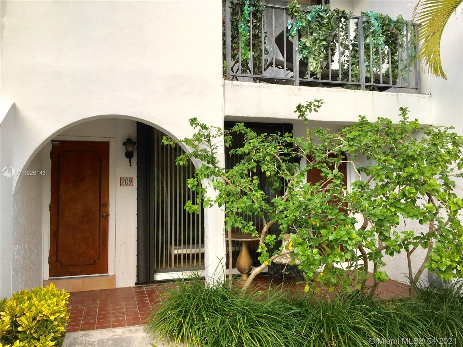 425  Grapetree Dr #209 For Sale A11026143, FL
