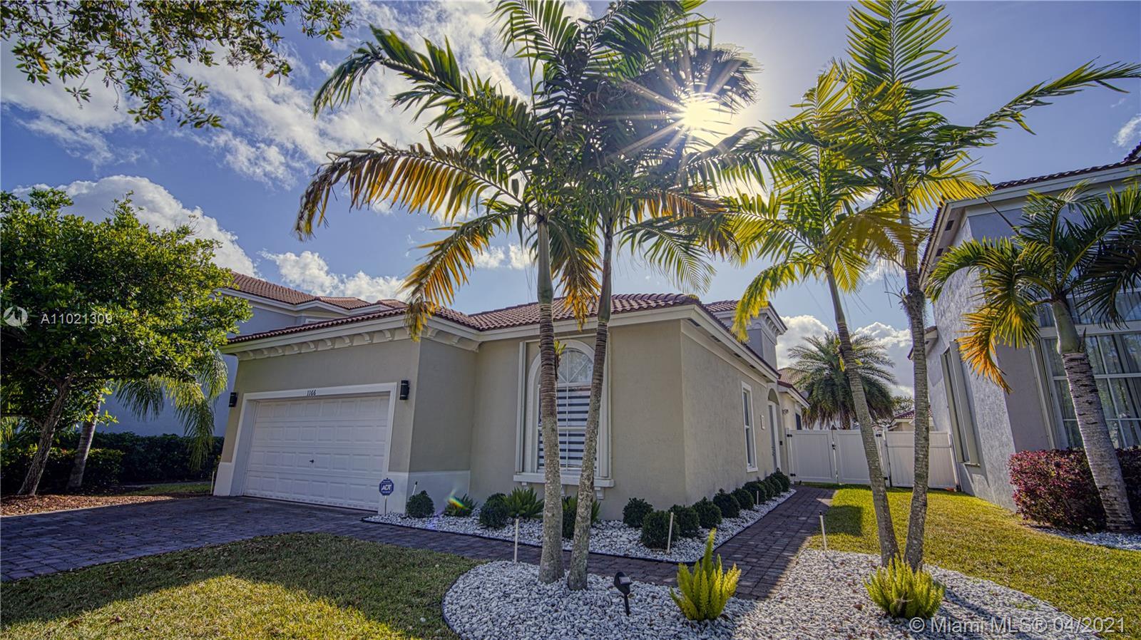 Beautiful 4 bedroom and 2 bathroom home including Car garage and great outdoor space. 