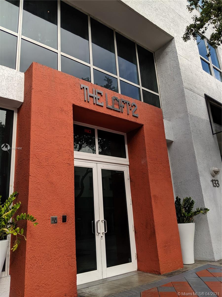 Amazing 1bed 1 bath Apartment with cable , water , internet, included . Washer & dryer in the unit in the heart of Downtown. The unit features European style kitchen with stainless steel appliances, concrete floor. Impact Windows. Amenities include 2 pools, gym. Close to Brickell City Center, restaurants, Miami Dade College.There is currently a special assessment to pay for the exterior renovations & pool renovations.  It started in January of 2019 & will finish in December of 2022. Unit pays $108.24 in special assessment on a monthly basis. Showing only Thursday from 1 to 2:30 pm, please confirm 48 hs before.