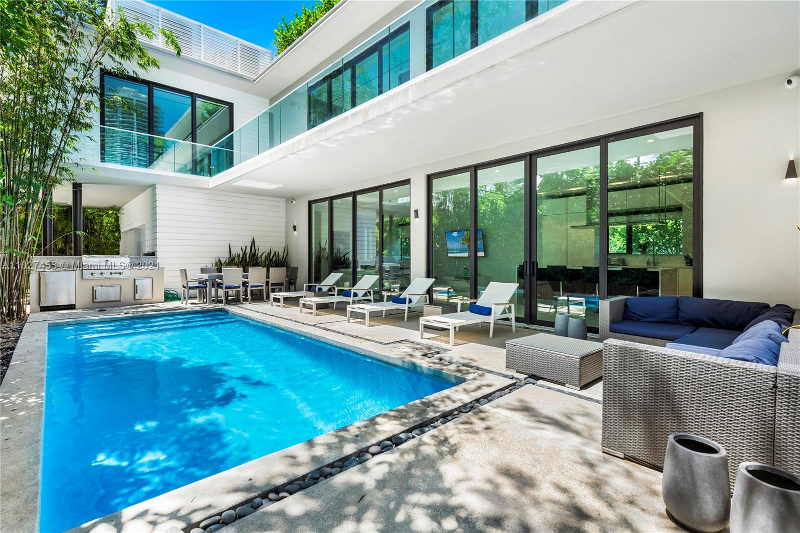 Undisclosed For Sale A11027453, FL