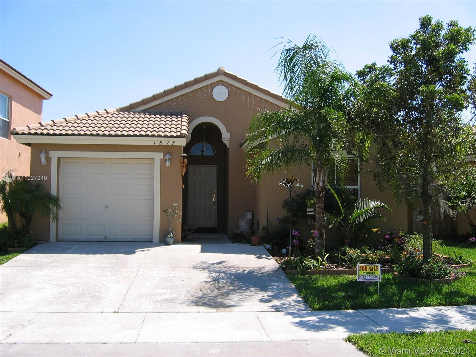 One story beauty in the gated community of Shores at Keys Gate!  This 3 bedroom, 2 bath, 1 car garage includes an open kitchen with granite , tiled living areas and carpet in bedrooms, and wood fenced in backyard perfect for entertaining.  Community includes: guard at gate, 24 hour roving security, tennis and racquetball courts, AT&T cable and internet, alarm monitoring and common area maintenance.  Tenant occupied.  advanced appointment required.