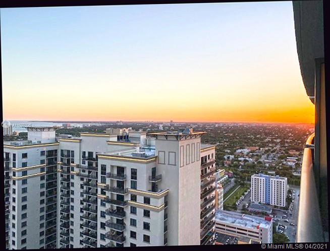 Beautiful, freshly painted 1 bedroom, 2 bath unit in Brickell Heights Condominium, featuring panoramic and unobstructed city and water views.  Motivated seller.