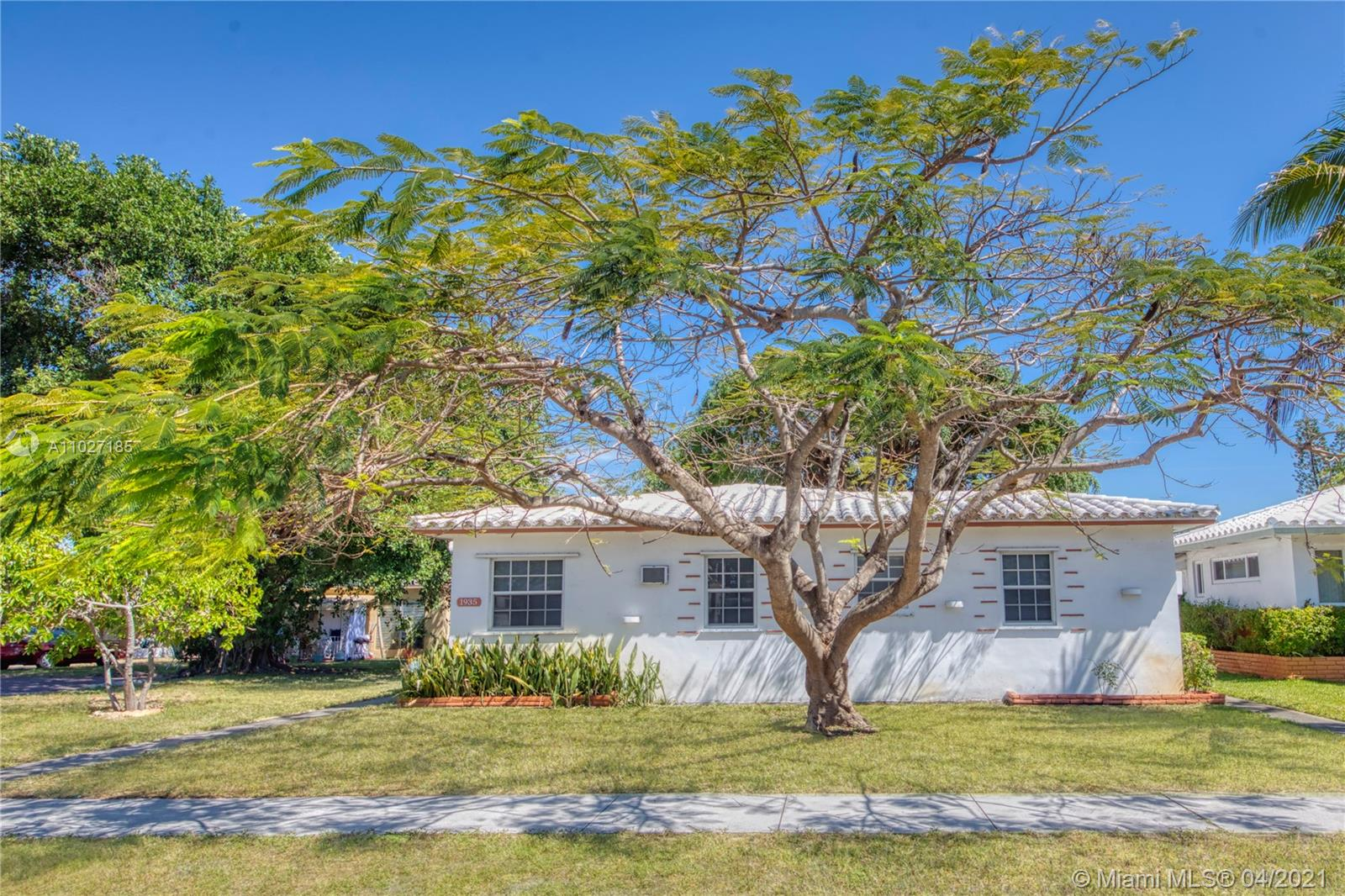 1935  Buchanan St  For Sale A11027185, FL